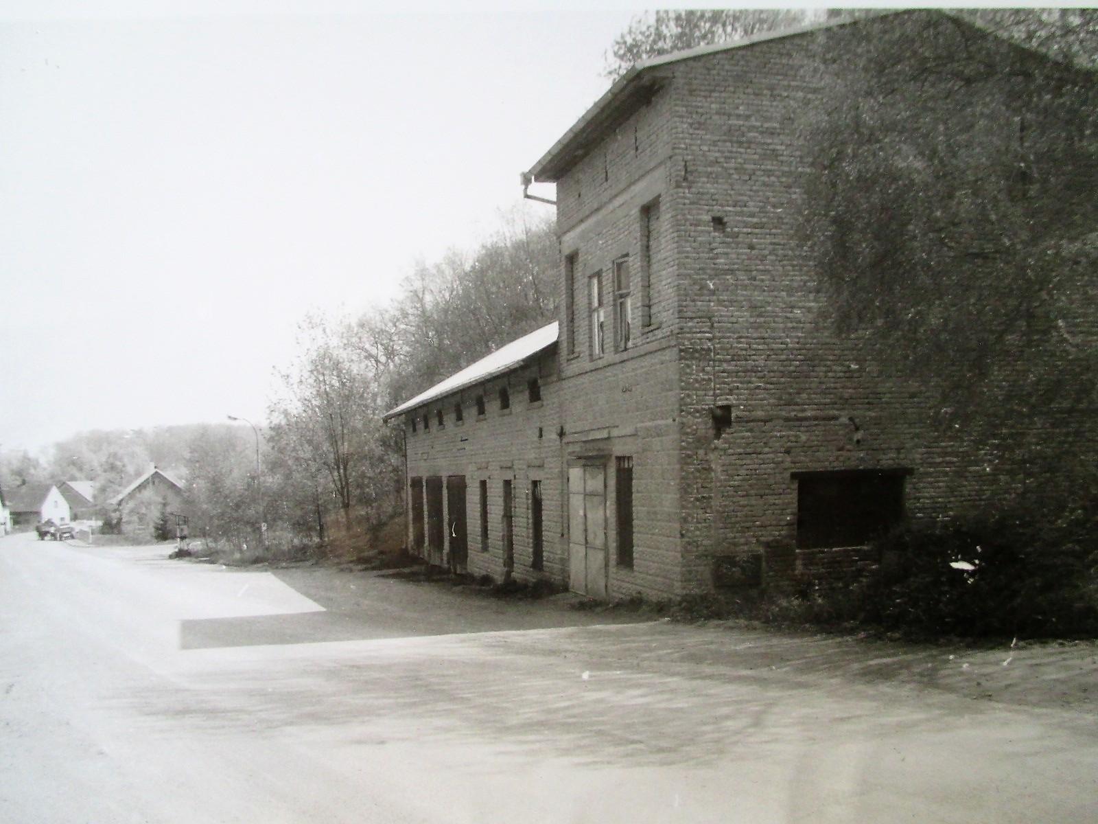 Kamenolom budova