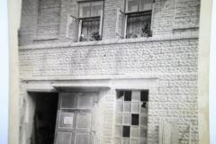 Kamenolom - zde se i bydlelo 1947